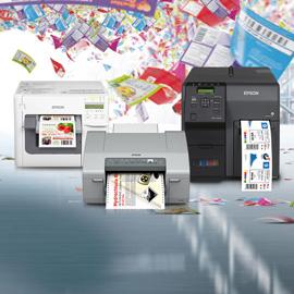 Drei Farbetikettendrucker von Epson als Kollage aufgebaut